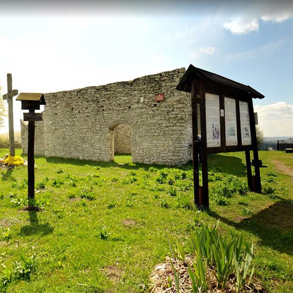 Ruiny kościoła św. Stanisława w Żarkach